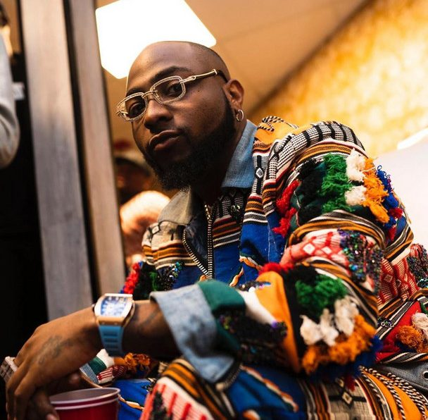 Davido donates bags of rice e1590775904127