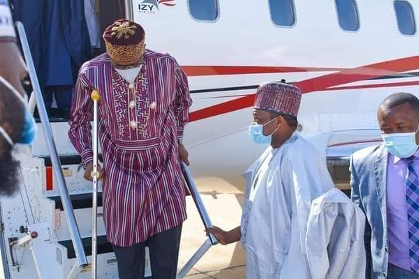 Injured Rotimi Amaechi walks with crutches (photos)