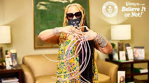 Woman with longest nails in the world, chops off her nails for the first time in 30 years.